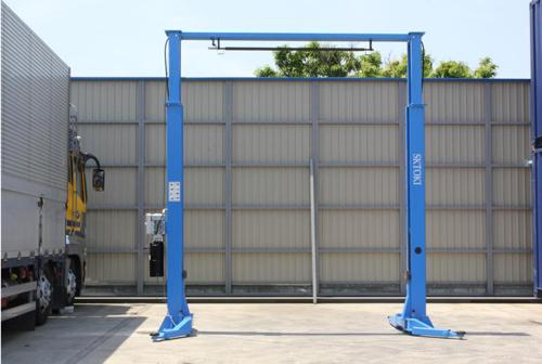 SKTOKI2柱門型リフト画像